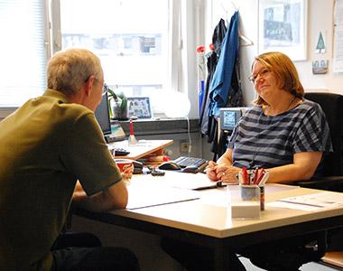 In der Beratungsstelle wird den Wohnungslosen geholfen