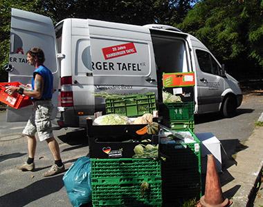 Zweimal wöchentlich findet die Lebensmittelausgabe statt