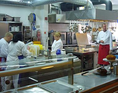 La Cantina versorgt Bedürftige mit warmen Mahlzeiten