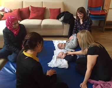 Ein Treffpunkt und Austauschort für junge Mütter