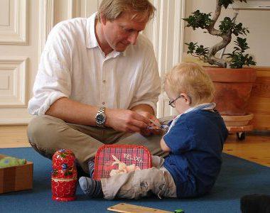 Ankerland-Gründer und Facharzt Dr. med. Andreas Krüger kümmert sich mit seinem Team liebevoll um seine Patienten